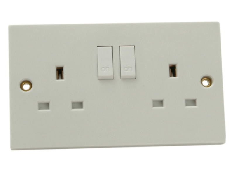 2 Gang 13amp Switched Socket